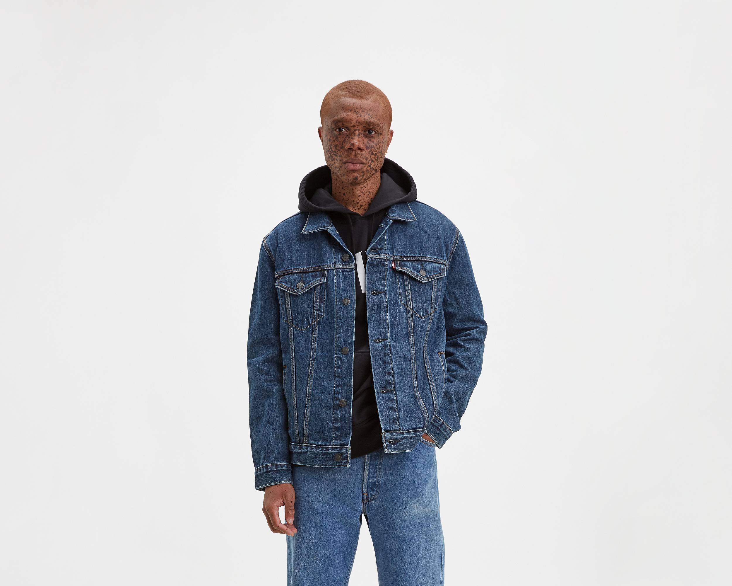 The Trucker Jacket Dark Stonewash Levi S 174 United States