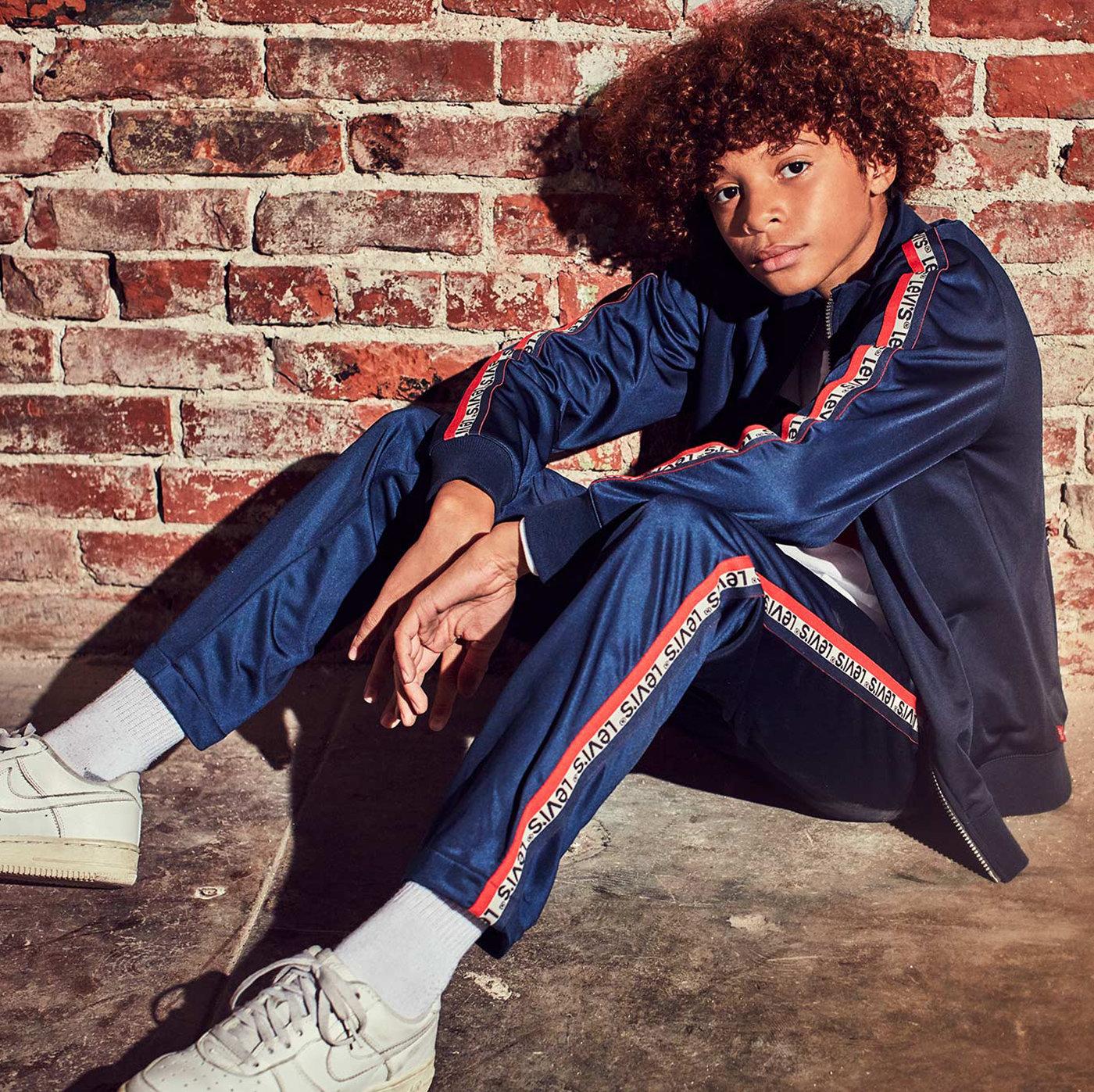 Boy wearing levis Jeans